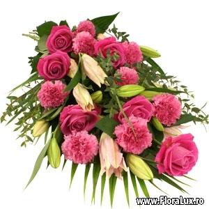 buchet trandafiri flora lux