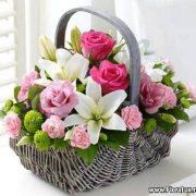cos cu flori crini trandafiri