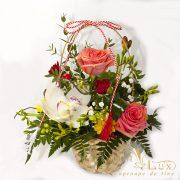 Cos cu flori de Martisor