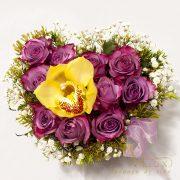 Cutie inima cu trandafiri si orhidee 3