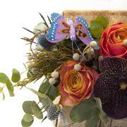 aranjament floral in cutie c