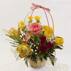cos cu flori martisor