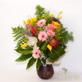 Buchet flori in vaza